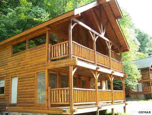 Pigeon Forge foreclosure cabin on the creek. 335 Caney Creek. Foreclosure in Pigeon Forge - Smoky Mountains