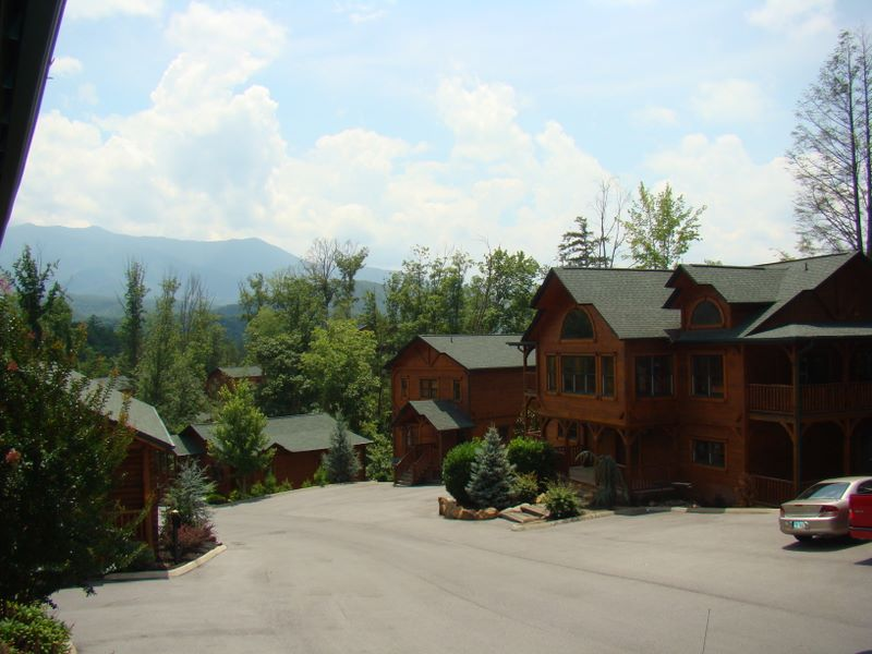 The Main Gatlinburg Falls Resort   Luxury Cabin Rentals In Gatlinburg And  The Smoky Mountains