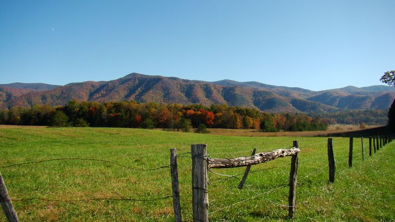 Hyatt Lane - Cades Cove - Great Smoky Mountains National Park. Copyright: Jay Fradd 2009