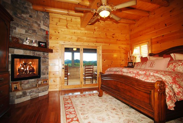 Cabin in Cedar Falls - Waldens Creek & Bluff Mountain area of Sevier County in the Smoky Mountains near Pigeon Forge