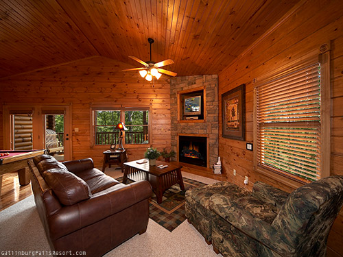 Autumn Whisper - Gatlinburg Falls Resort cabin rental with a great view in the Smoky Mountains