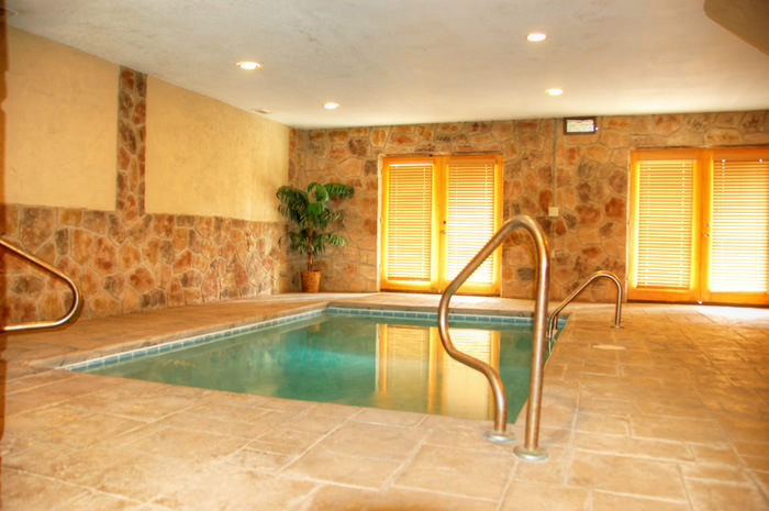 Skinny Dippin - Gatlinburg pool cabin - Private indoor pool cabin rental in Pigeon Forge near Gatlinburg in the Smoky Mountains