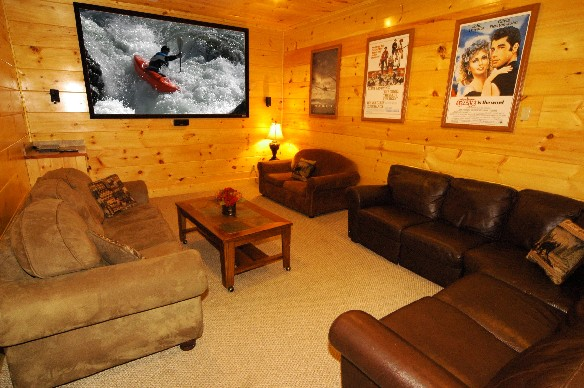 A Grand View Lodge - Luxury cabin in Smoky Cove. Features an excellent mountain view, theater room, and community pool